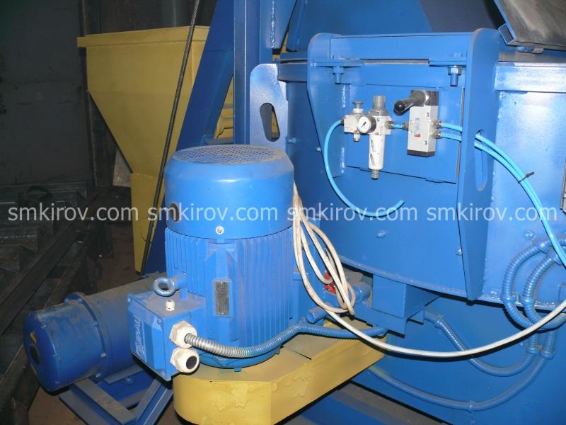 Бетоносмеситель СБ-1000С (со скипом)
